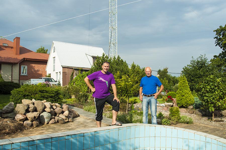 LY9Y LY7Z Kursenai, Lithuania. Family Home and Antennas