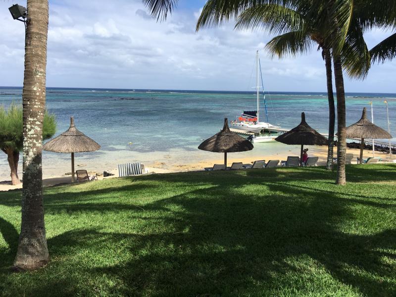 Mauritius Island 3B8/ZS4TX Direction 3B6 Agalega 1070 km.