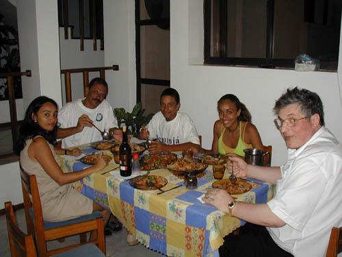 Минделу Остров Сан Висенти Кабо Верде Семья Карлоса D44AC и 4L5A