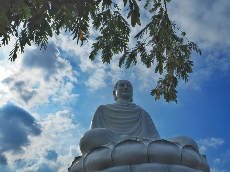 Nha Trang 3W9FU DX News Vietnam Long Son Pagoda