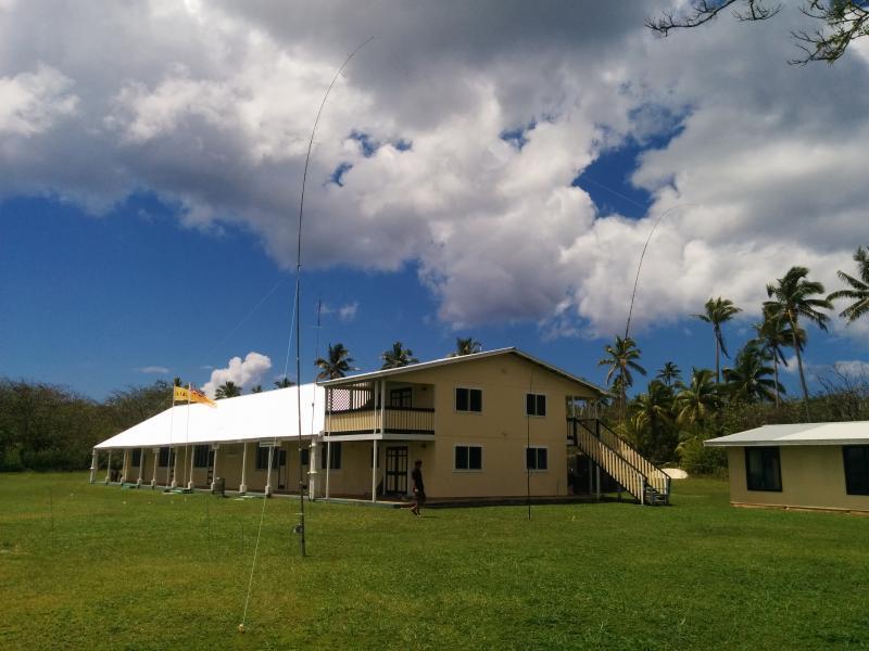 Niue E6AC Verticals