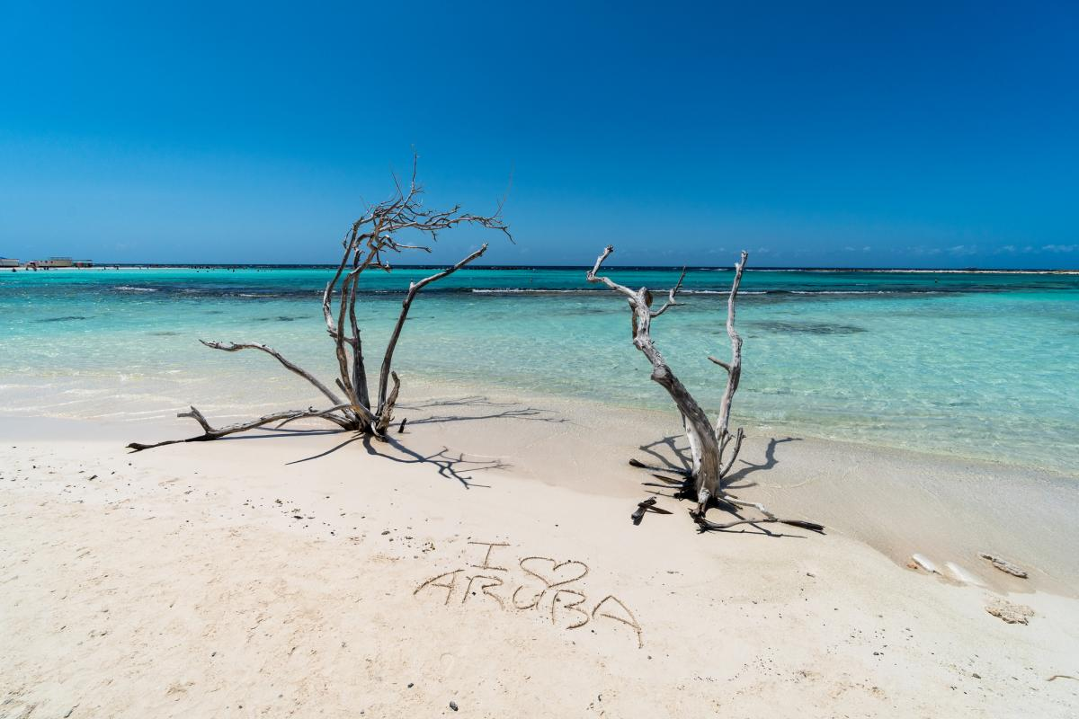 P4/NN5E P4/NT5V Baby Beach, Aruba Island.
