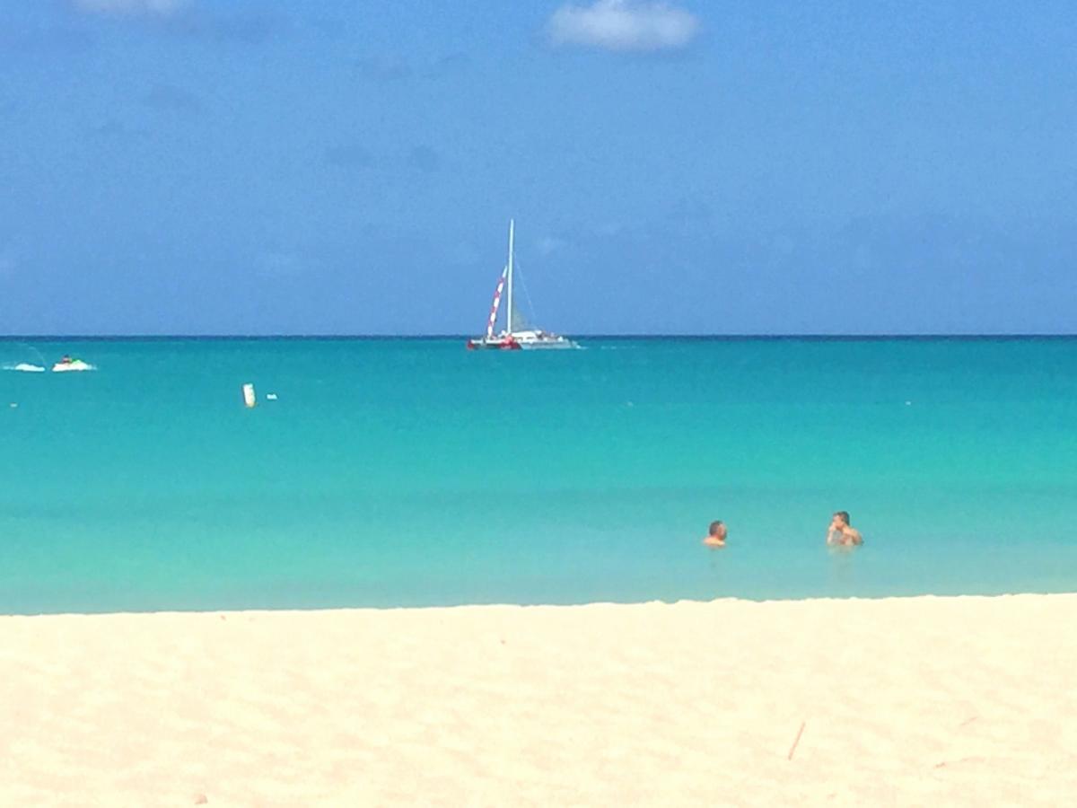 P4/W1CQ Aruba Island. Tourist attractions spot