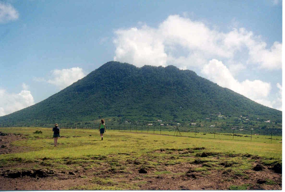 PJ5/AI5P Sint Eustatius Island. DX News.
