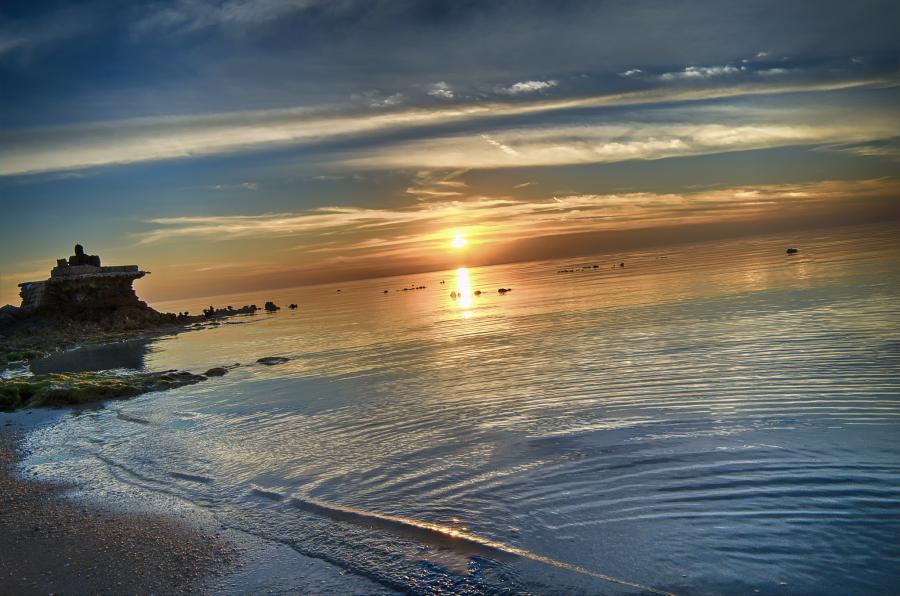 Qatar A7/MW0BRO DX News Sunset, Dukhan Beach.