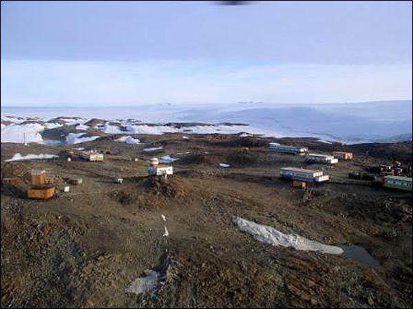 RI1ANL Novolazarevskaya Station Antarctica DX News