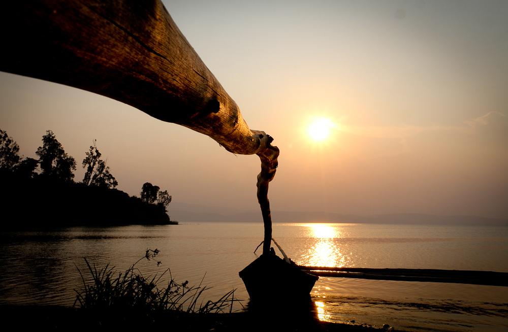 Руанда 9X2LS DX Новости Лодки на озере Киву, Кянгугу