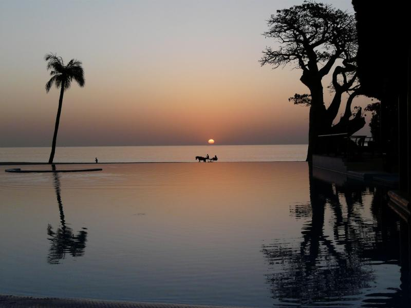 Senegal 6W7SS DX News Sunset, Royal Lodge Hotel.