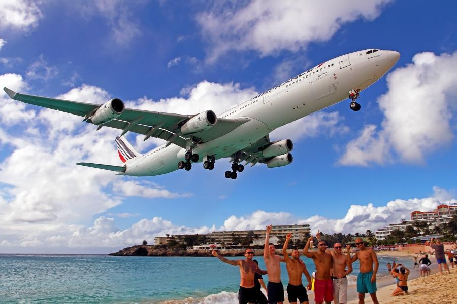Sint Maarten Island PJ7/HB9FLX Maho Beach