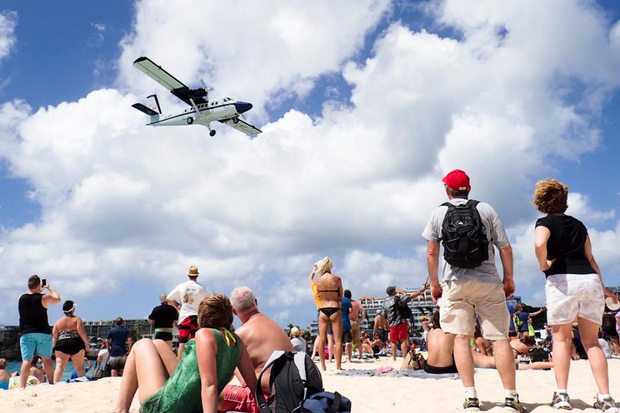 Sint Maarten PJ7T Maho Beach