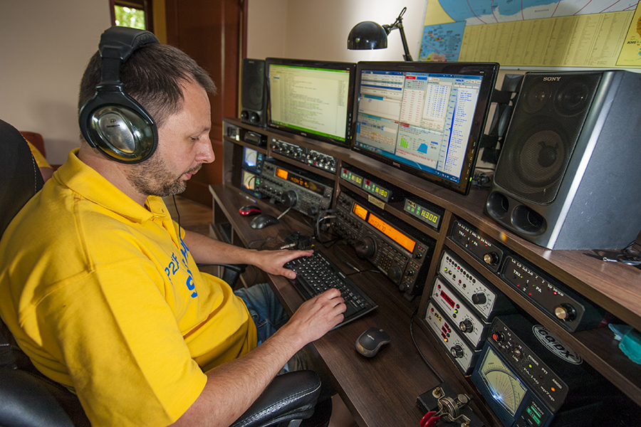 SN0HQ SP2XF at his own station