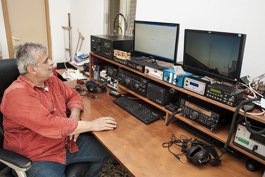 SV9FBG Crete Island Radio Room