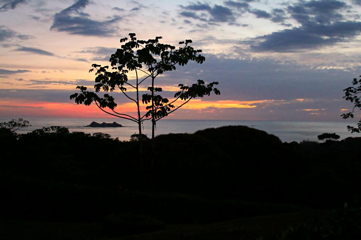 TE6DX Закат, остров Увита, Коста Рика. DX Новости.