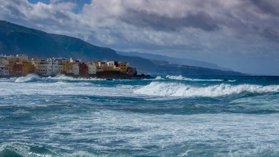 Tenerife Island EA8/M0NJH Canary Islands DX News Stormy Day