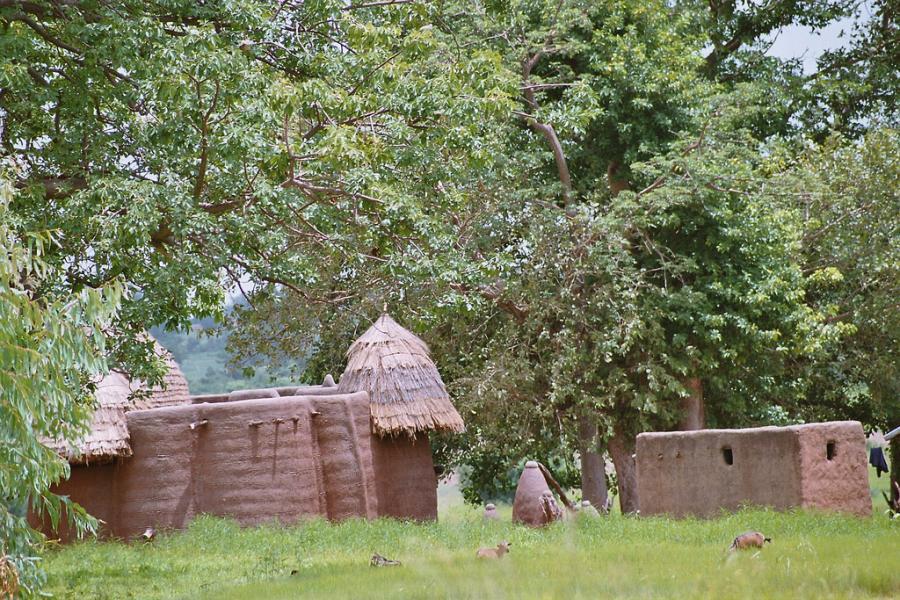 Togo 5V7P Pays Tamberma