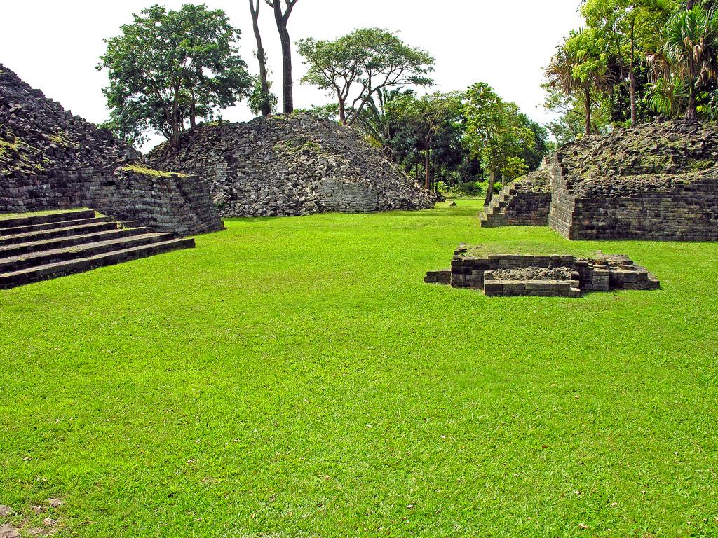 V31WB Belize Lubaantun