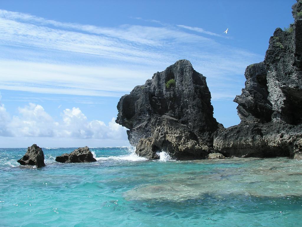 VE3RZ/VP9 Bermuda Islands DX News