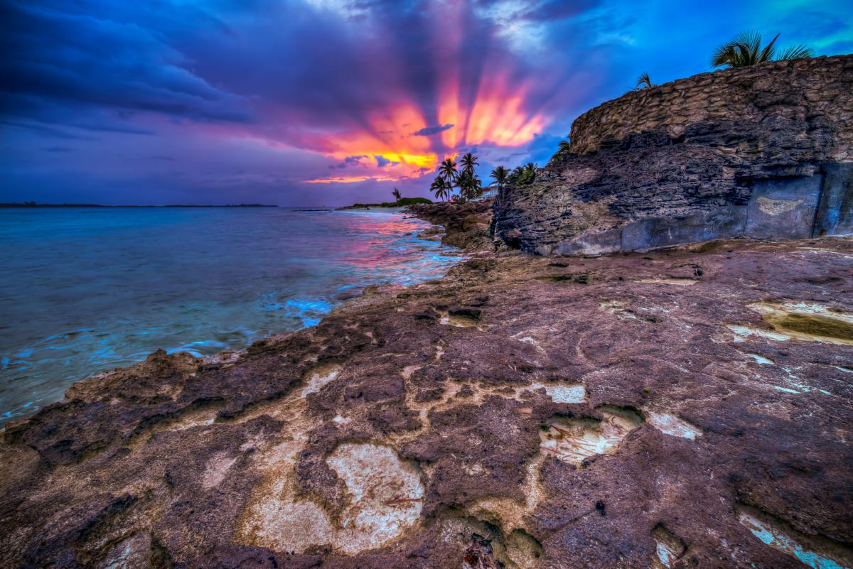 VE3BWP/C6A Sunrise, Paradise Island, Bahamas. DX News