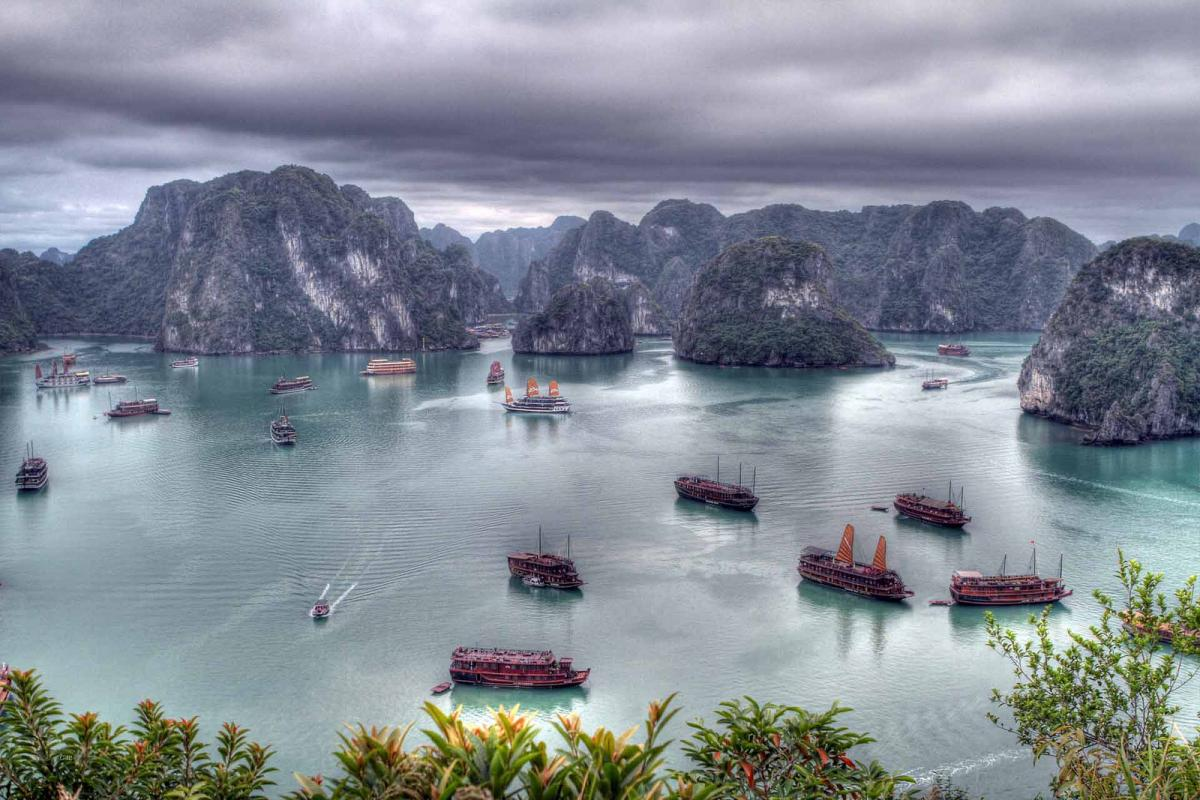 Vietnam XV9WJR DX News Ha Long Bay