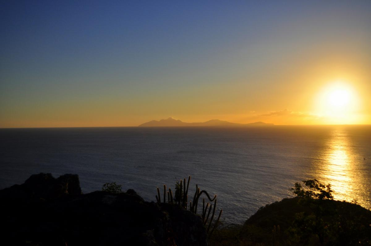 VP2MLB VP2MSA VP2MSK VP2MZN Sunset, Montserrat Island