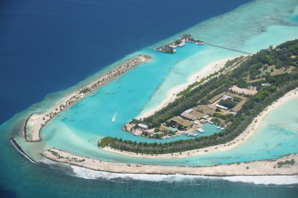 8Q7DM Lankanfinolhu Island, Maldives. DX News
