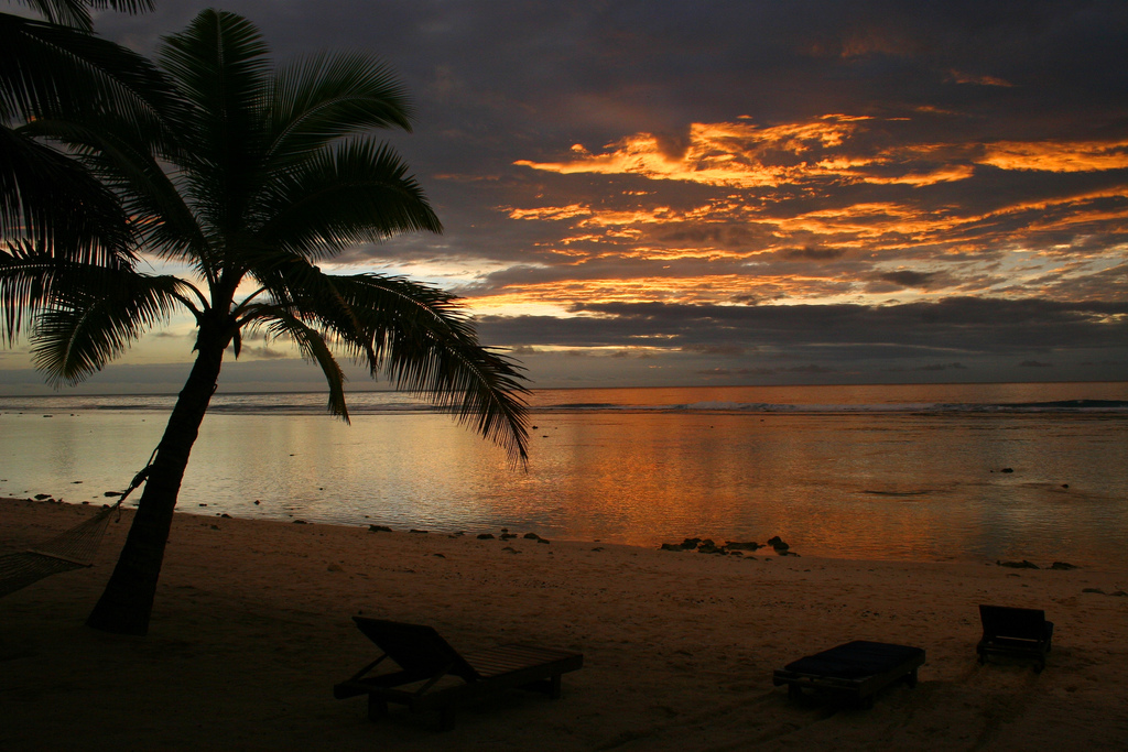 E51KMR Sunset, Rarotonga Island, Cook Islands.