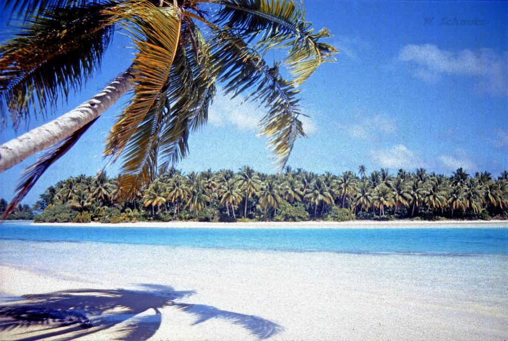 E51NPQ E51AUZ Manihiki Island, Cook Islands