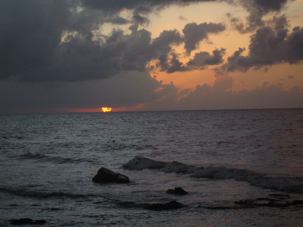 H7/RM0F H7/R4WAA H7/RZ3FW YN4RRC H7/RC5A Sunset, Big Corn Island, Corn Islands. Tourist attractions spot