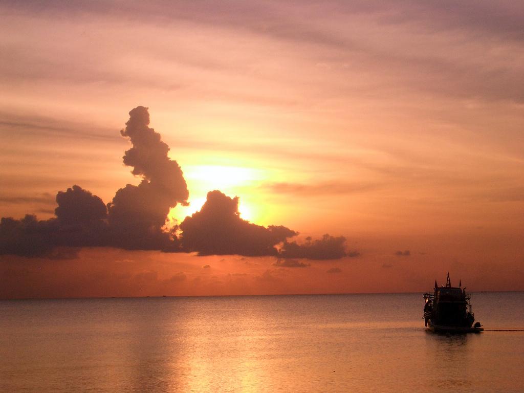 XV9DLH Закат, остров Фукуок, Вьетнам.