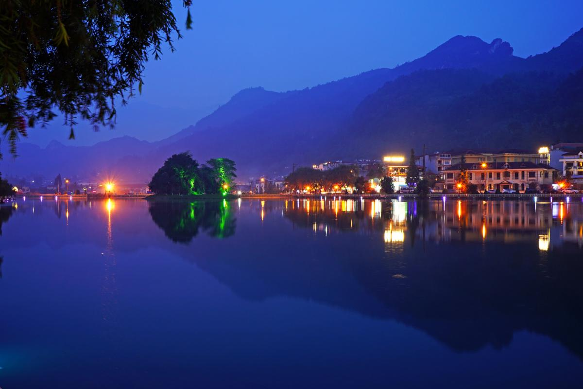 XV9FUD XV9ZT Sapa Lake, Vietnam Tourist attractions spot