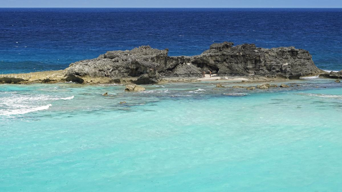 VP5/KM3T Mudjin Harbour Reef, Middle Island, Turks and Caicos Islands Tourist attractions spot