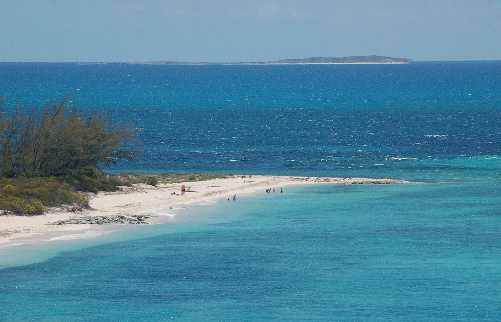 VP5/N9EAJ Grand Turks Island, Turks and Caicos Islands. DX News