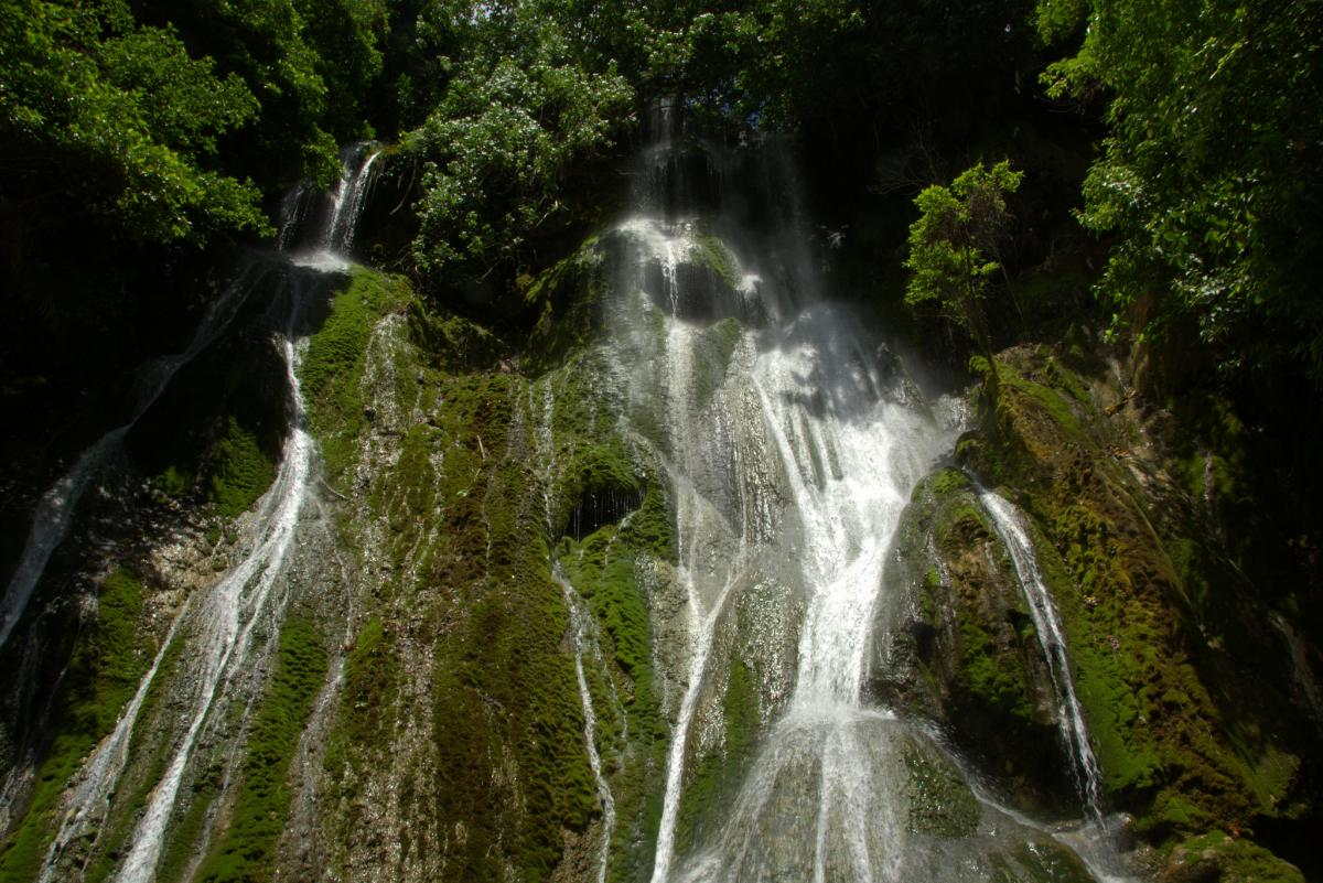 YJ0GC Waterfall, Efate Island, Vanuatu.