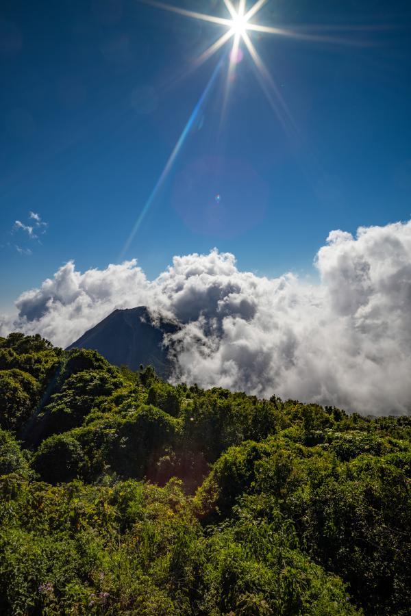 YS1/AA4NC Volcano Izalco, El Salvador.